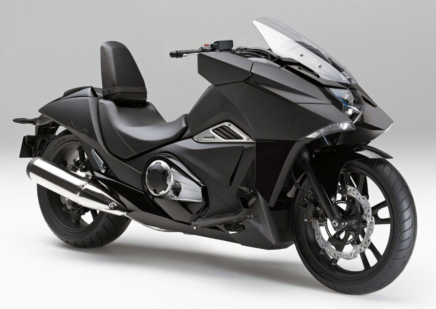 Honda NM4 Vultus - a stealthy bike inspired by Japanimation