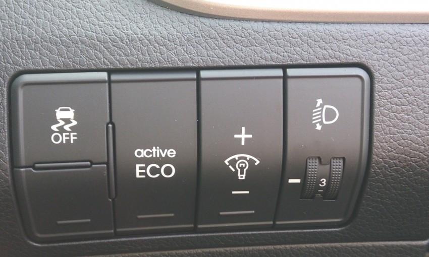 Hyundai i30 hatchback arrives in M'sia – RM128k-133k Image #237580