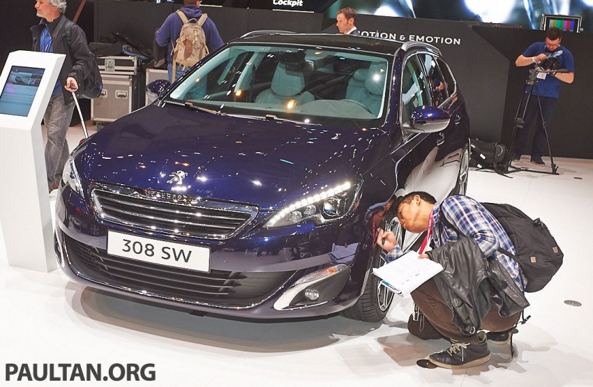 Automakers do 'market research'  at motorshows Image #232856