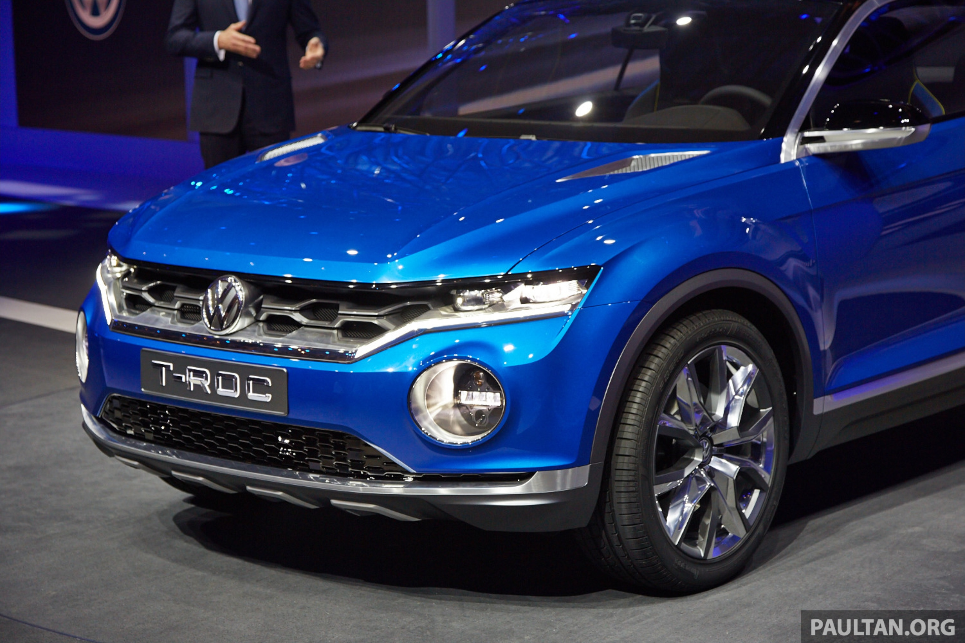 Volkswagen T-ROC Concept previews upcoming SUV Paul Tan - Image 232487