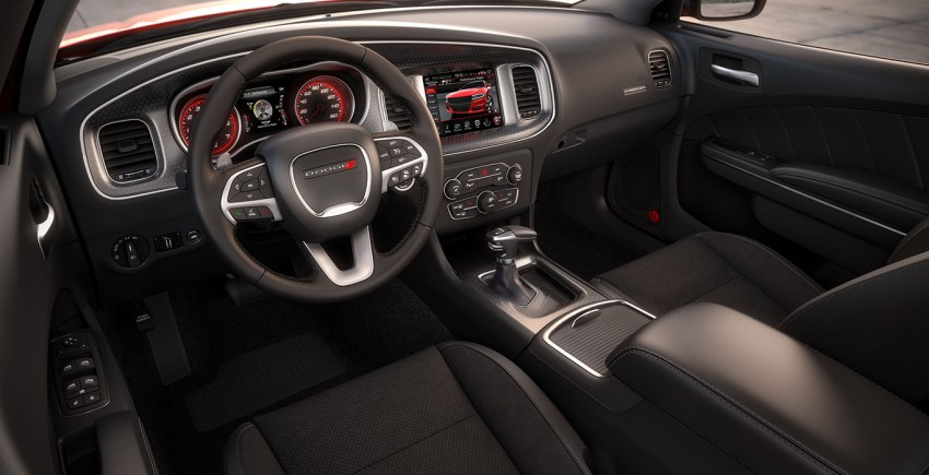 2015 Dodge Charger – heavily-revised muscle sedan Image #244559