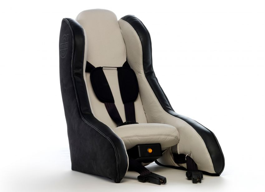 Volvo Inflatable Child Seat Concept – portable safety Image #241179