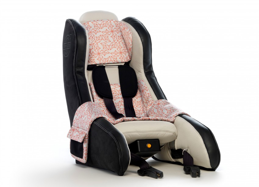 Volvo Inflatable Child Seat Concept – portable safety Image #241178