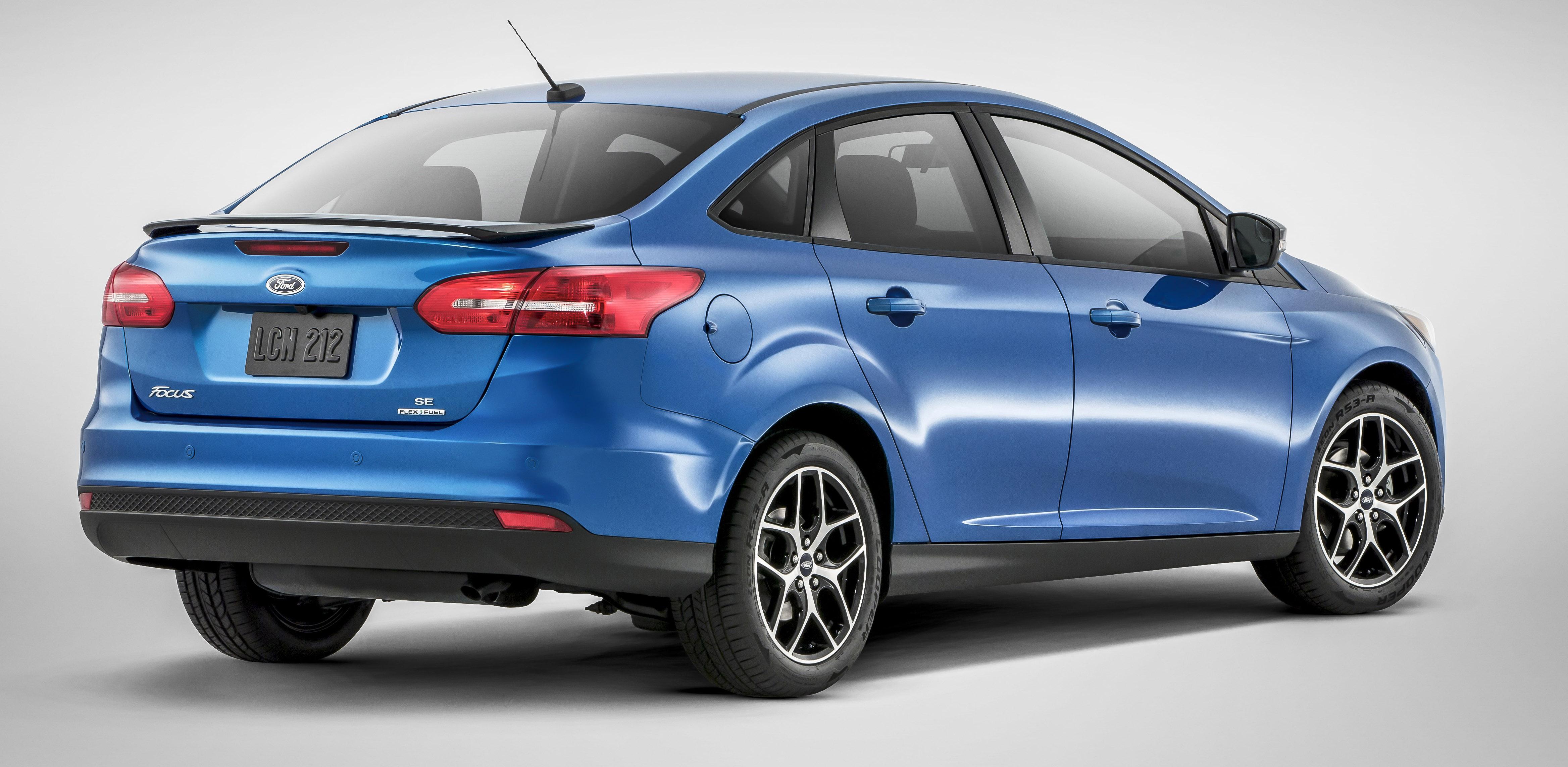 2015 ford focus sedan facelift unveiled new rear end. Black Bedroom Furniture Sets. Home Design Ideas