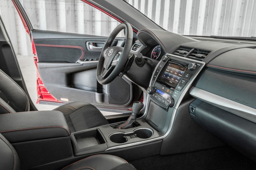 2015 Toyota Camry – major facelift unveiled in NYC Image #241667