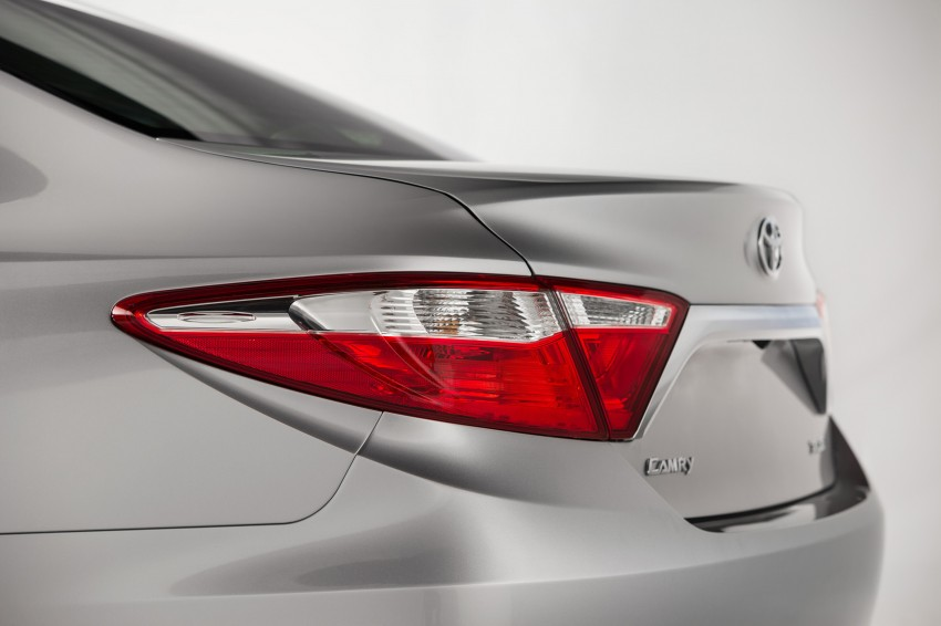 2015 Toyota Camry – major facelift unveiled in NYC Image #241695