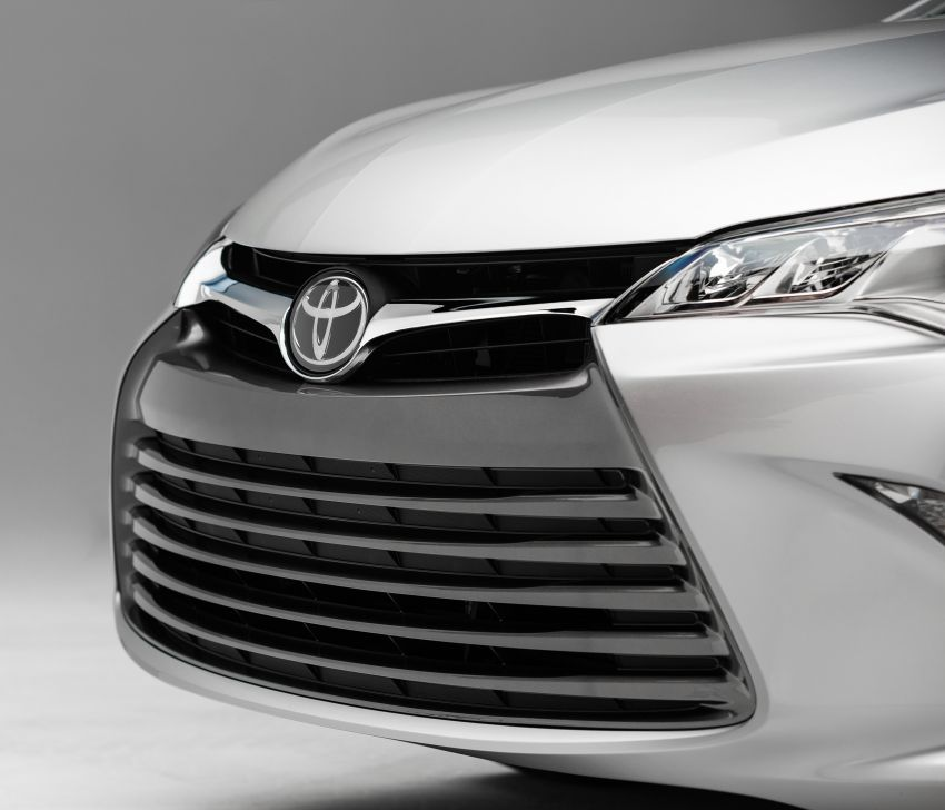 2015 Toyota Camry – major facelift unveiled in NYC Image #241696