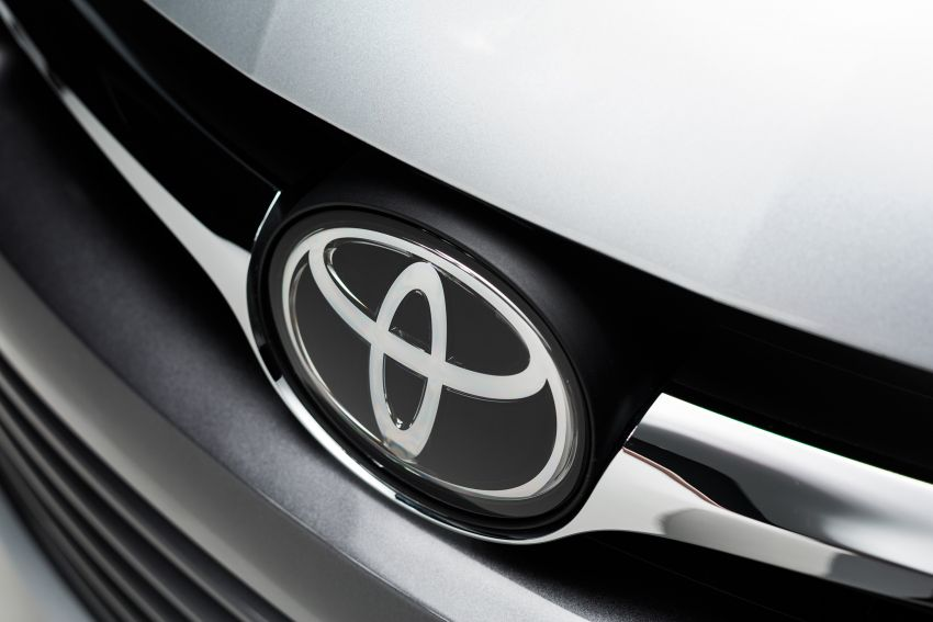 2015 Toyota Camry – major facelift unveiled in NYC Image #241700