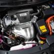 2015_Toyota_Camry_Hybrid_016