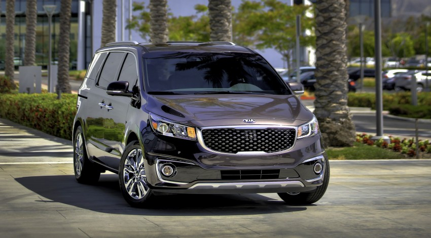 2015 Kia Carnival / Sedona breaks cover in New York Image #241157