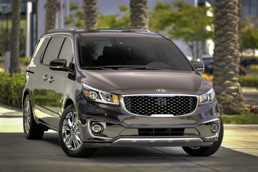 2015 Kia Carnival / Sedona breaks cover in New York Image #241169
