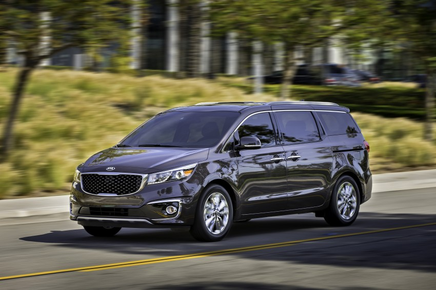 2015 Kia Carnival / Sedona breaks cover in New York Image #241166
