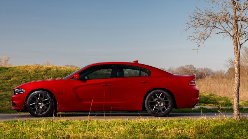2015 Dodge Charger – heavily-revised muscle sedan Image #244292