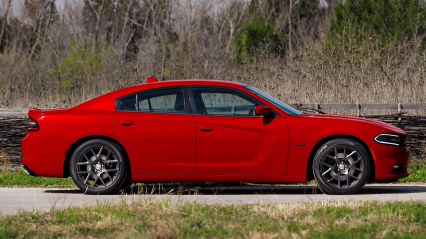 2015 Dodge Charger – heavily-revised muscle sedan Image #244294