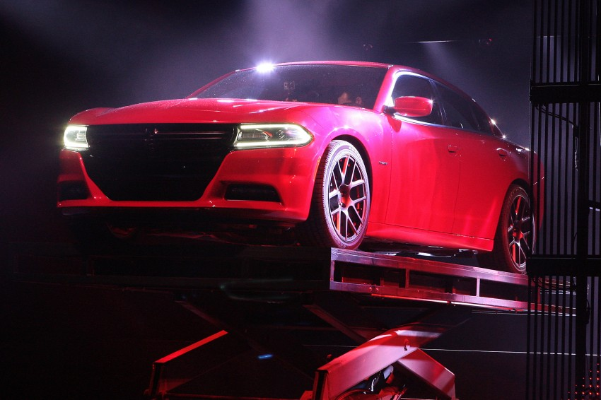 2015 Dodge Charger – heavily-revised muscle sedan Image #244300