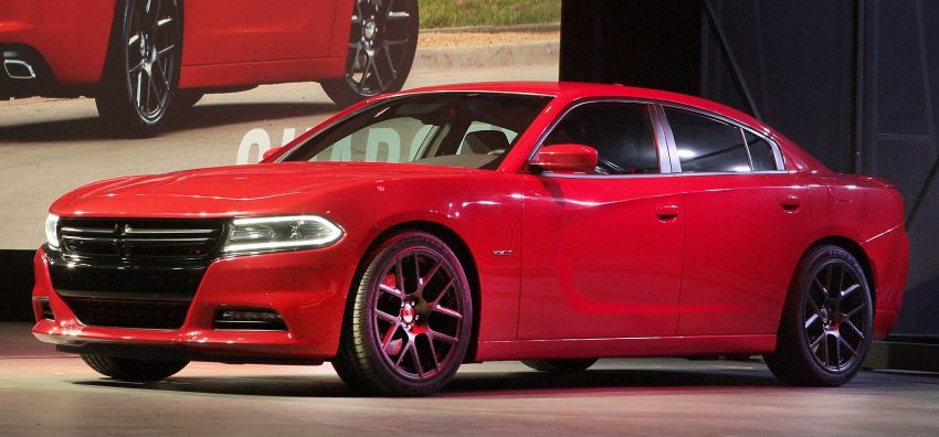 2015 Dodge Charger – heavily-revised muscle sedan Image #244301