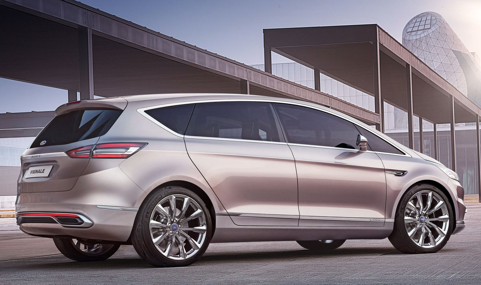 Back to Story: Ford S-Max Vignale Concept, second in the luxury line