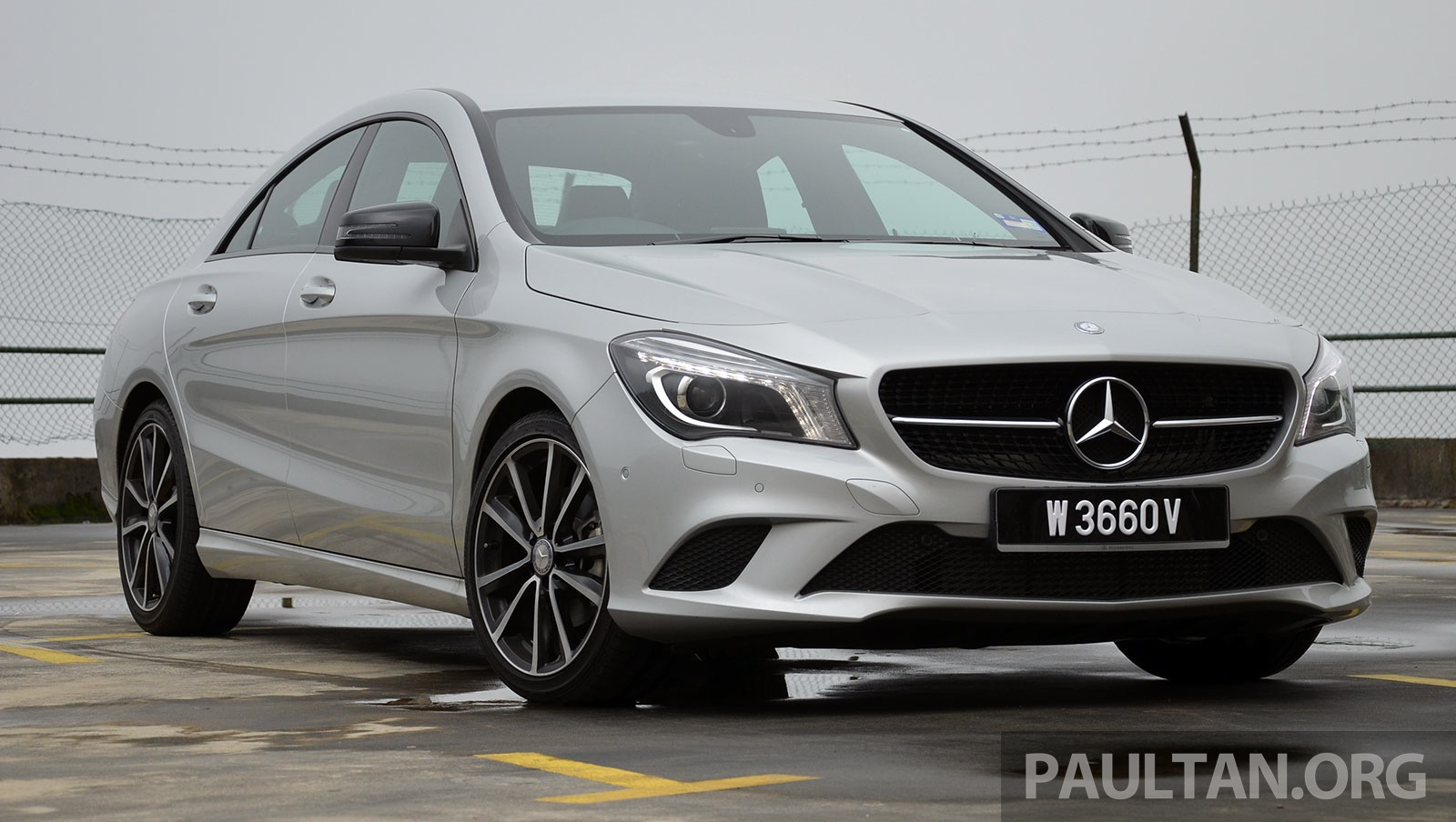 driven mercedes benz cla 200 of flash and flaws image. Black Bedroom Furniture Sets. Home Design Ideas