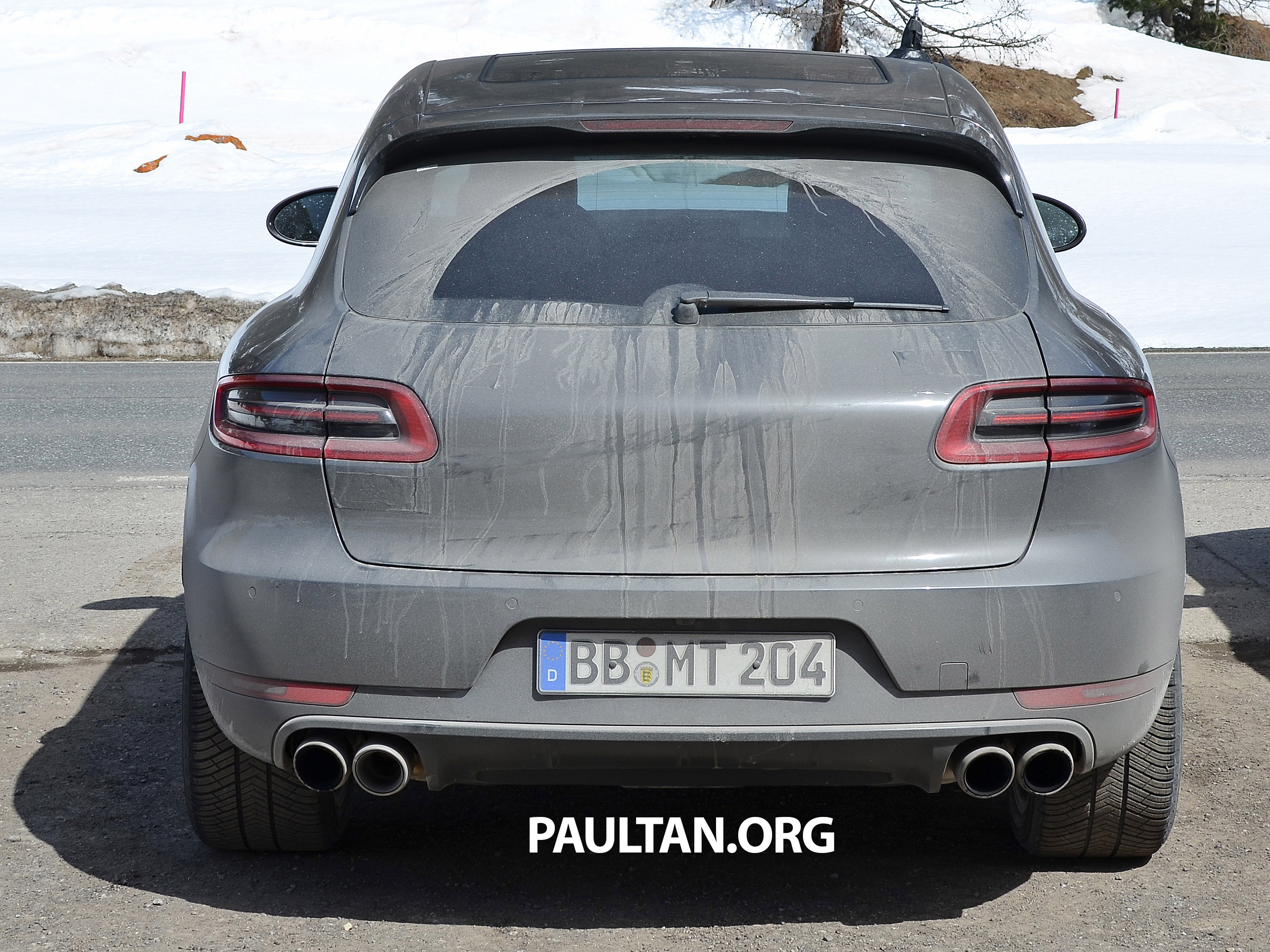 spyshots porsche macan gts is middle of the pack. Black Bedroom Furniture Sets. Home Design Ideas