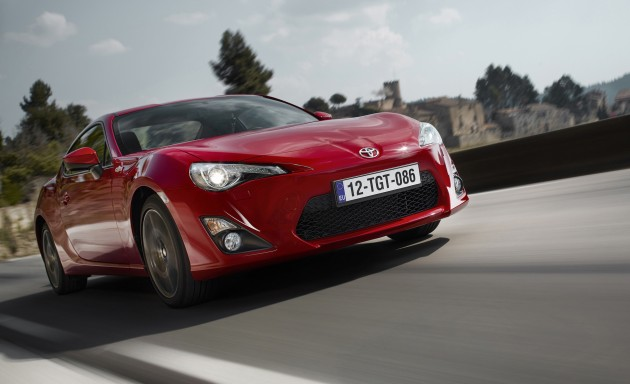 Toyota_GT86_2015_update_Europe_01