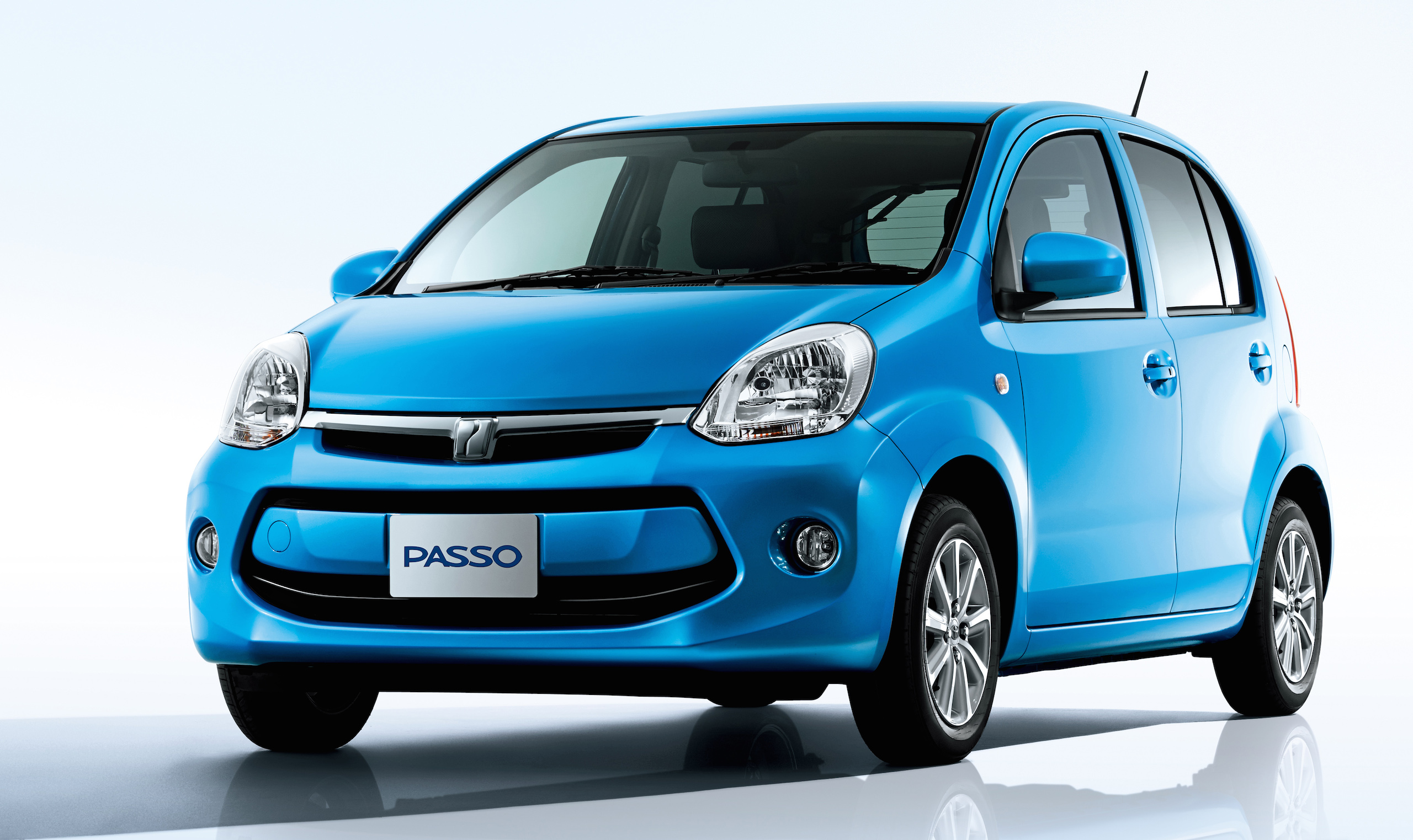 Toyota Passo Facelift Debuts New Engine 27 2 Km L Image