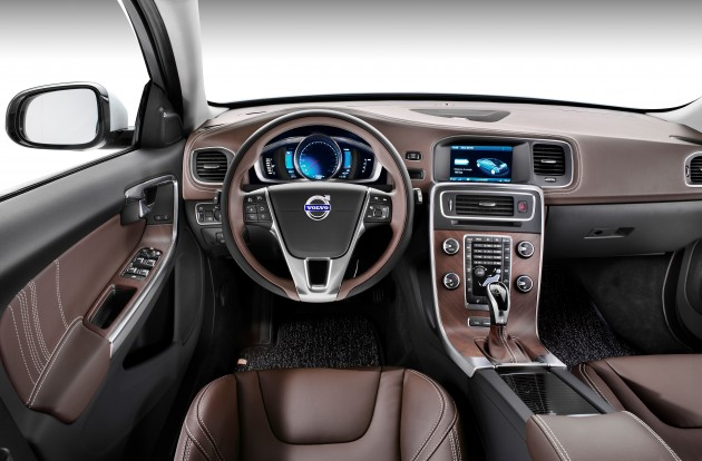 Volvo-S60L-PPHEV-0015