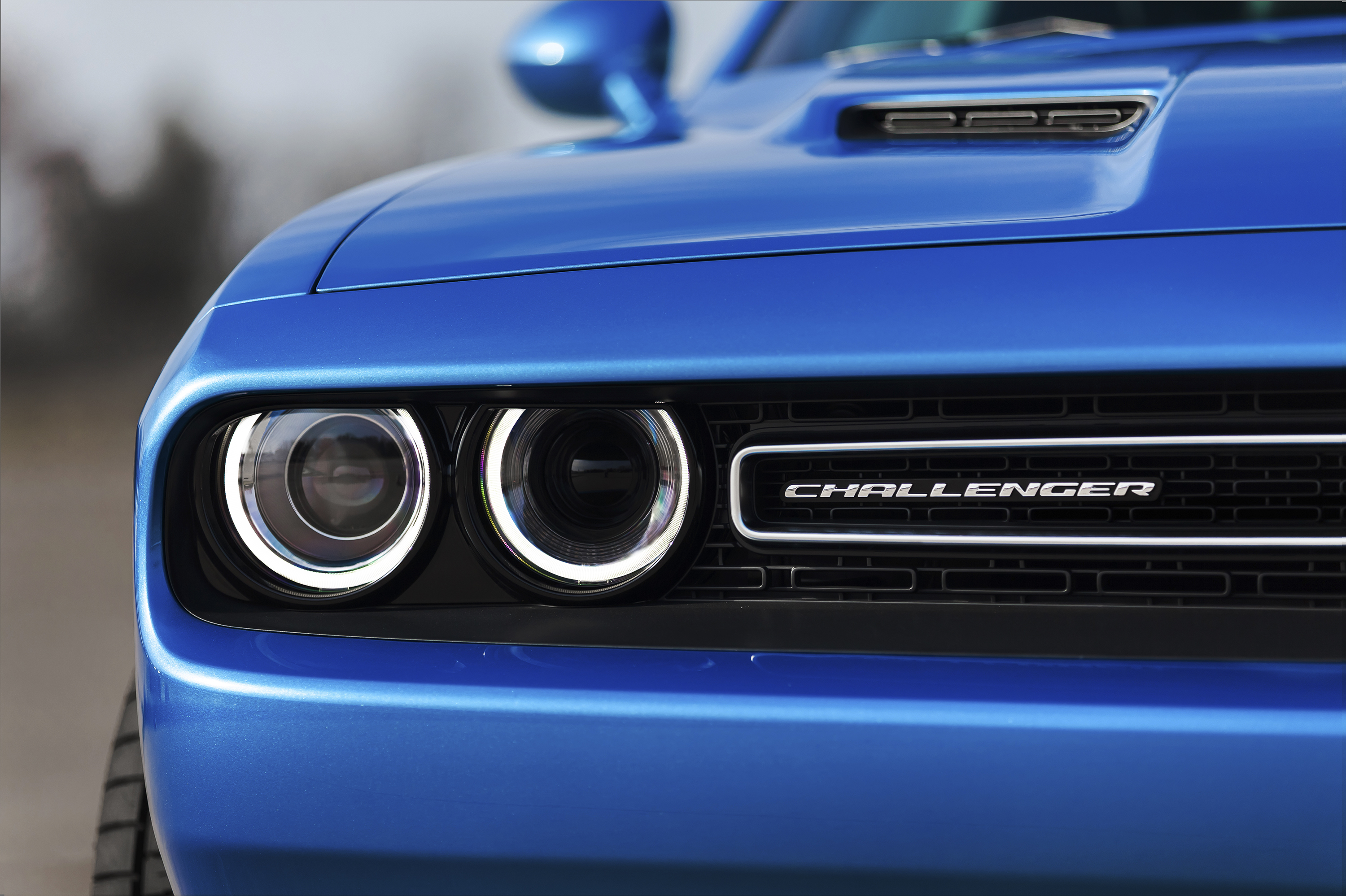 New Dodge Challenger >> 2015 Dodge Challenger makes debut in New York Paul Tan ...