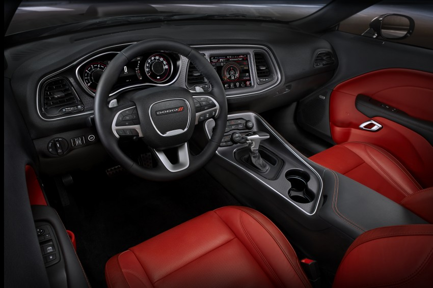 2015 Dodge Challenger makes debut in New York Image #244603