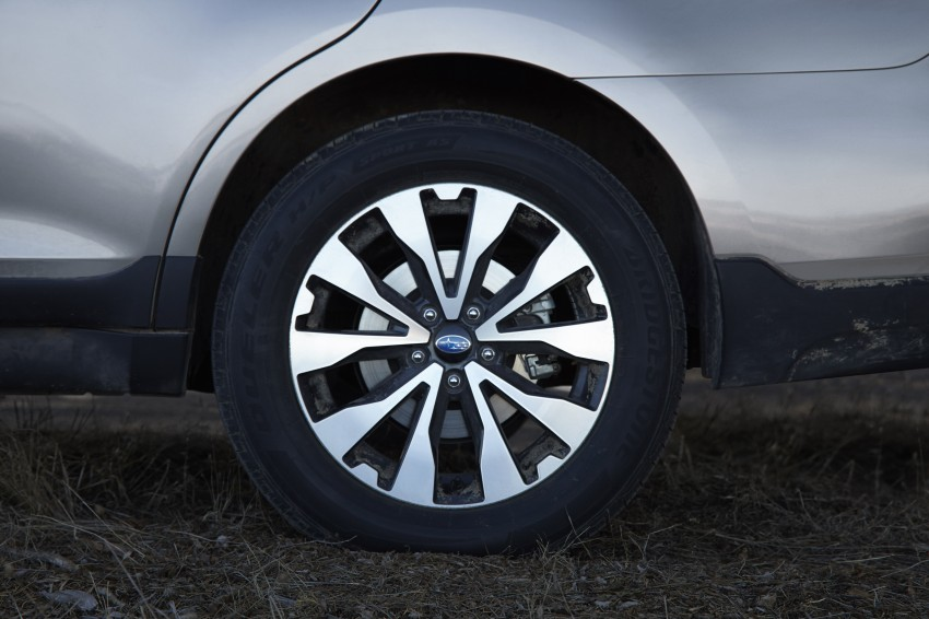 2015 Subaru Outback – jacked-up Legacy debuts in NY Image #243855