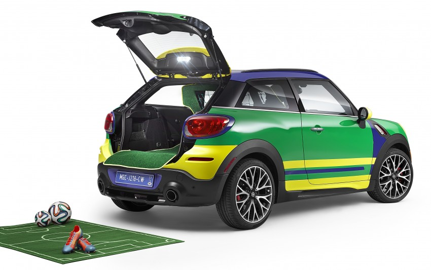 MINI Paceman GoalCooper – score big with this one Image #238665