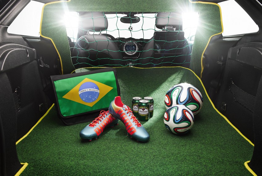 MINI Paceman GoalCooper – score big with this one Image #238661