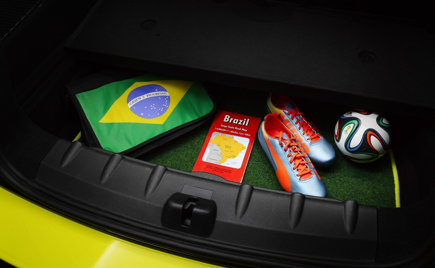 MINI Paceman GoalCooper – score big with this one Image #238659
