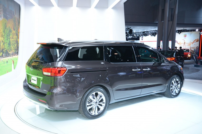 2015 Kia Carnival / Sedona breaks cover in New York Image #243045