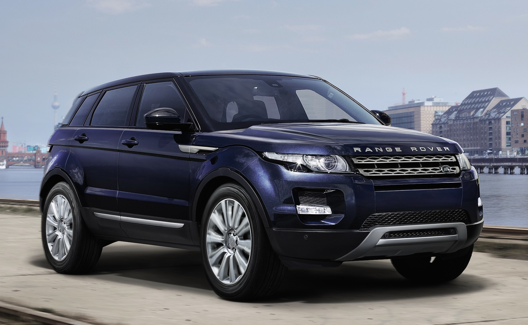 Ad 2014 Range Rover Evoque Is Now Out Get Up Close And