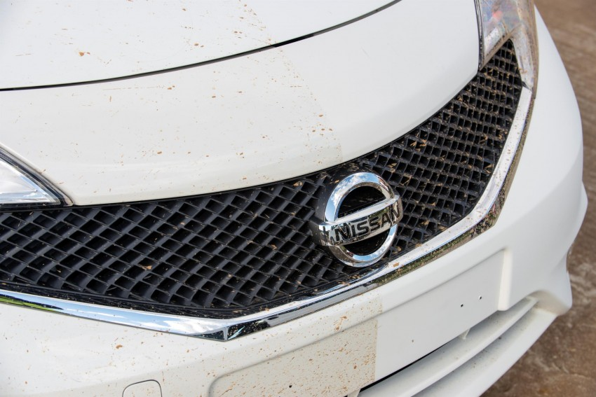 Nissan develops a prototype car that can clean itself! Image #244248