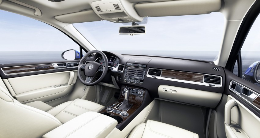 Volkswagen Touareg: second-gen facelift for Beijing Image #242108