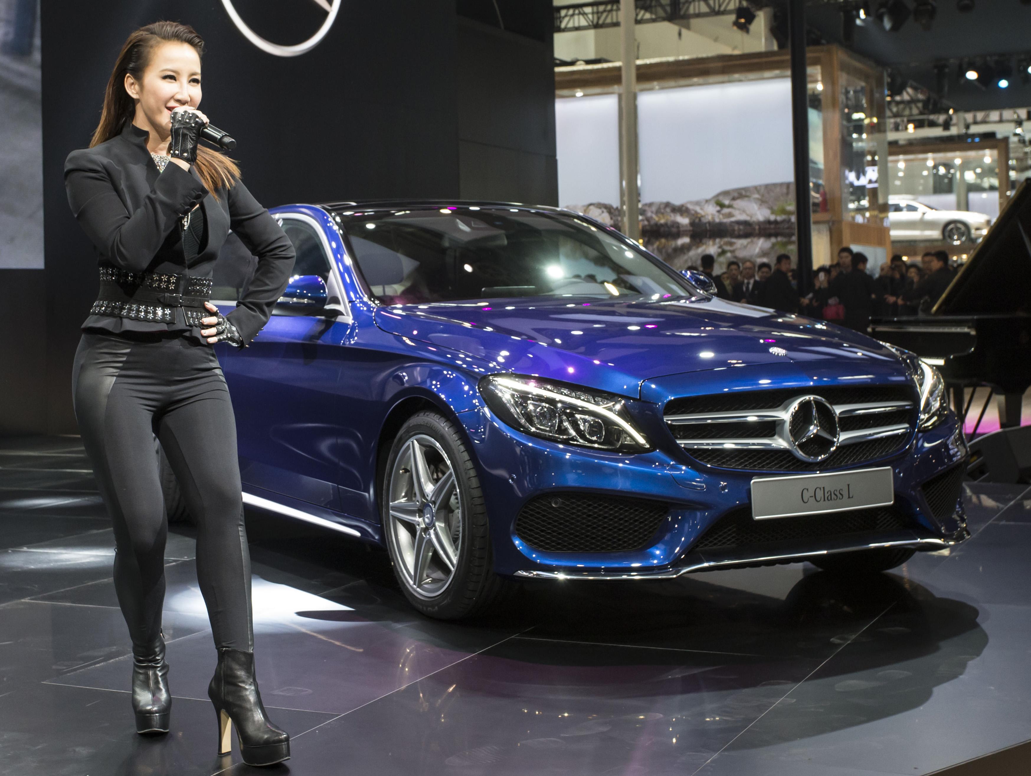 Back to Story: Mercedes-Benz C-Class L – a long-wheelbase W205