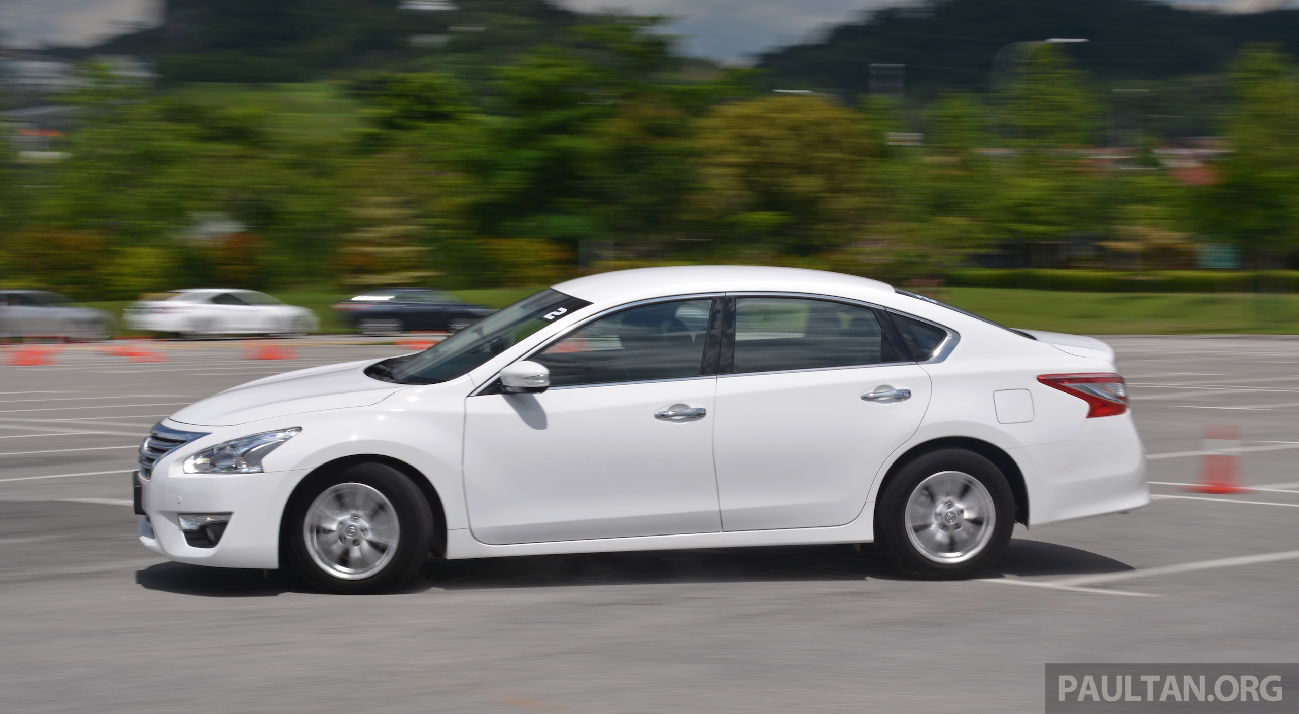 Driven 2014 Nissan Teana Ups The D Segment Ante Image 247945