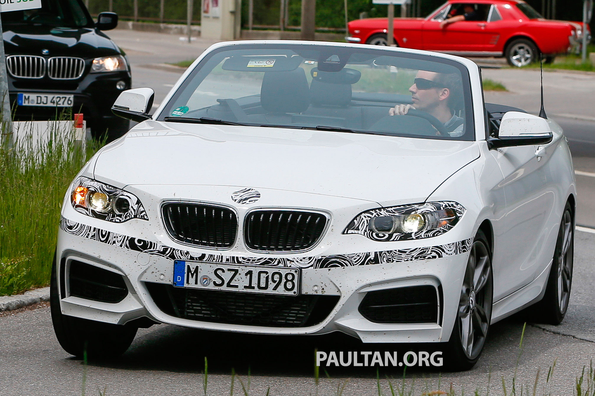 bmw 2 series cabriolet spied nearly undisguised. Black Bedroom Furniture Sets. Home Design Ideas