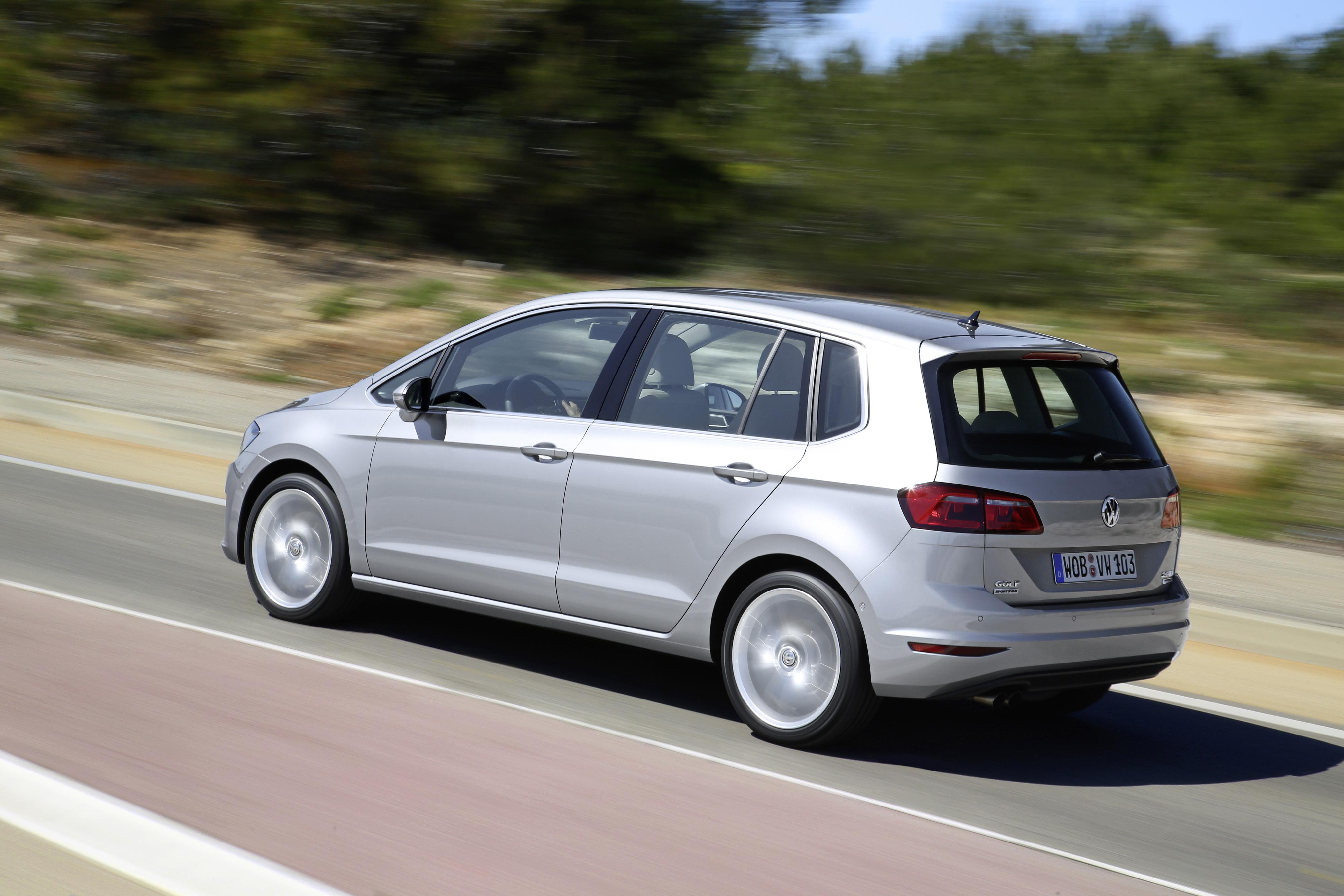 volkswagen golf sportsvan � production car unveiled paul