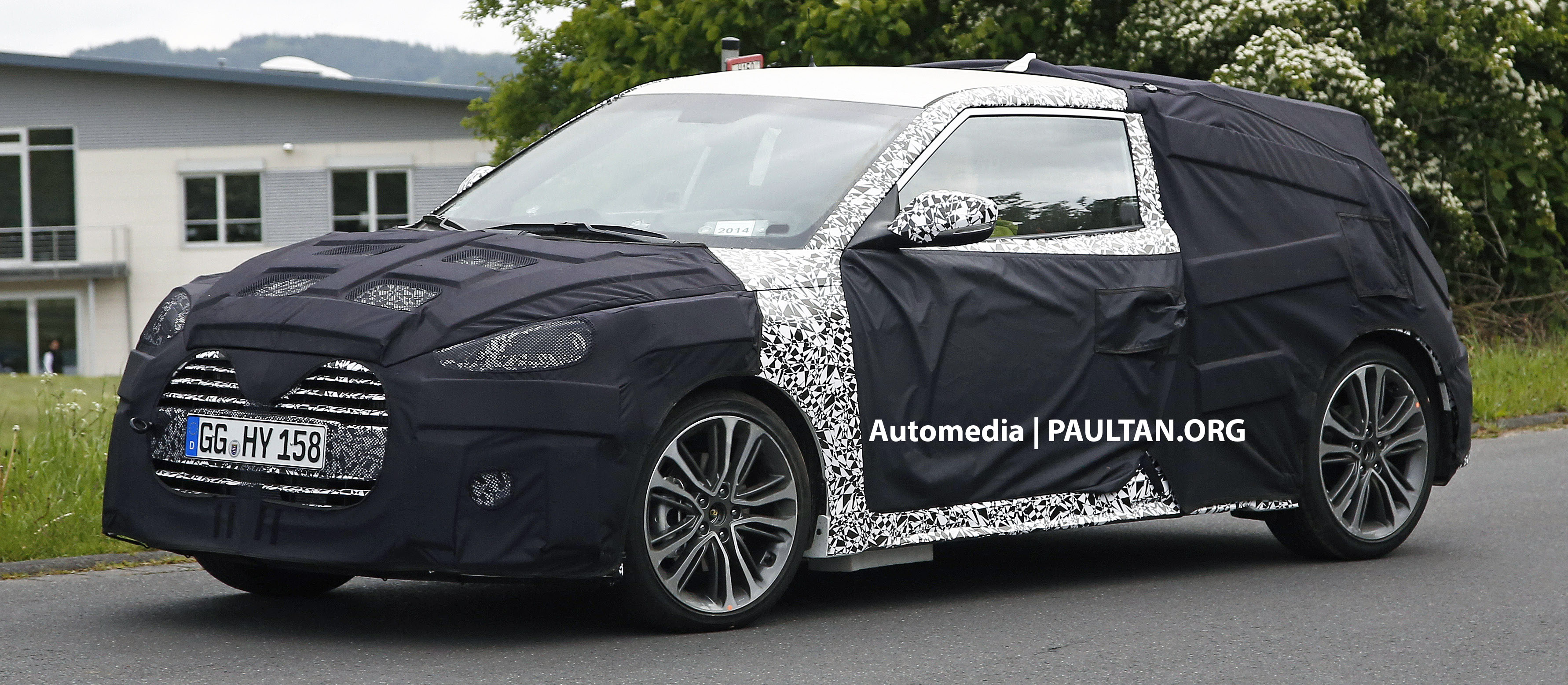 SPIED: Hyundai Veloster Turbo facelift in Germany Image 247371