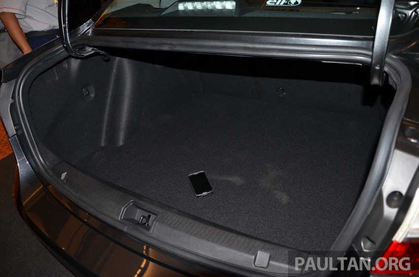 Renault Fluence 2.0 unveiled in Malaysia – RM115k Image #248968
