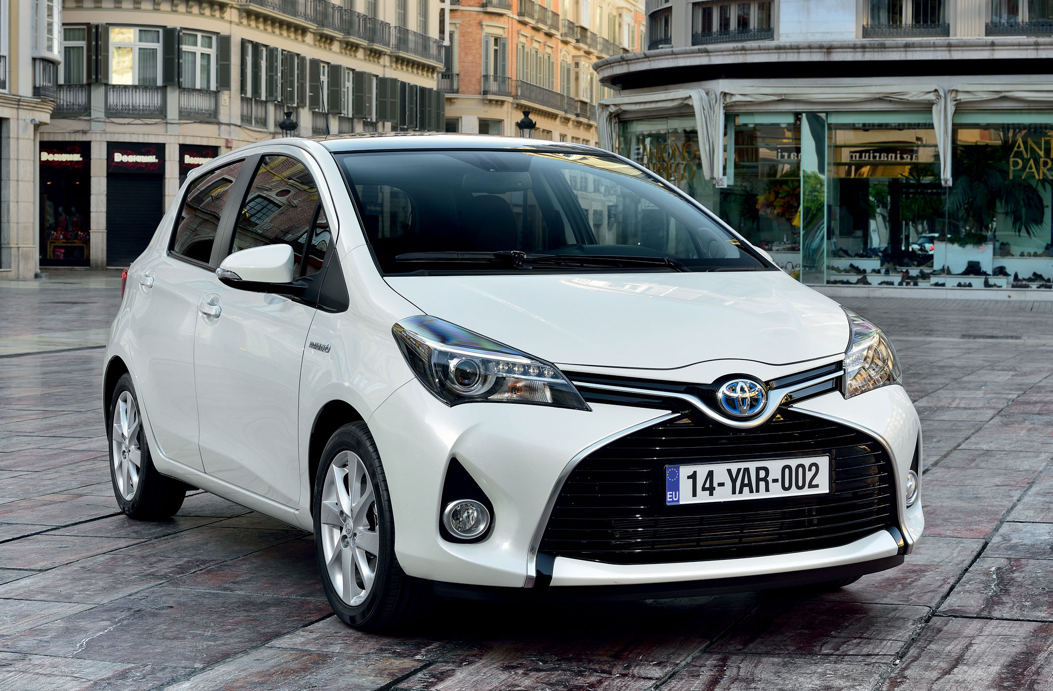 Gallery 2015 Toyota Yaris Hatchback For Europe Image 250080