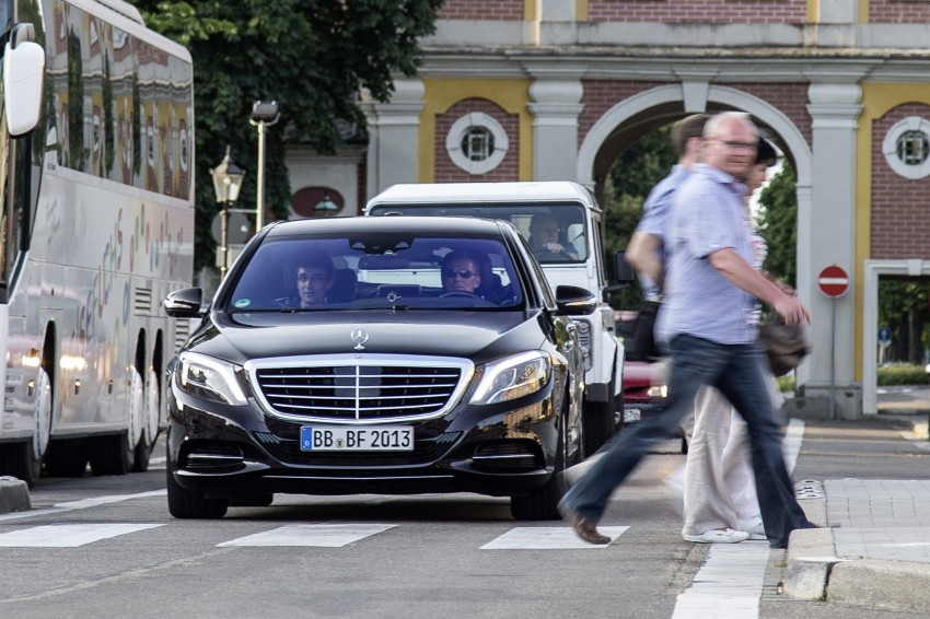 Mercedes-Benz S 500 Intelligent Drive can drive itself Image #251156