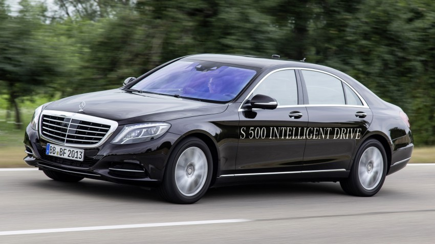 Mercedes-Benz S 500 Intelligent Drive can drive itself Image #251159