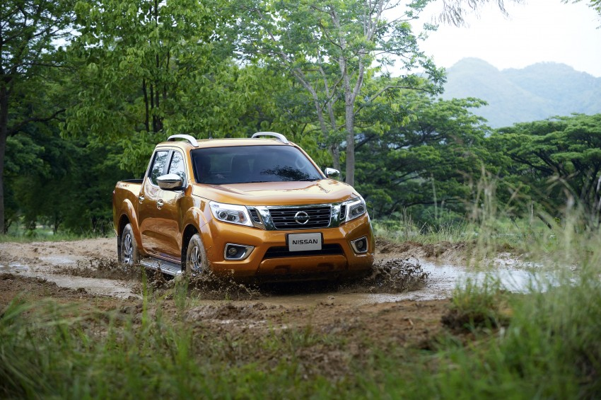 Nissan NP300 Navara unveiled in Thailand: 7spd auto! Image #253156