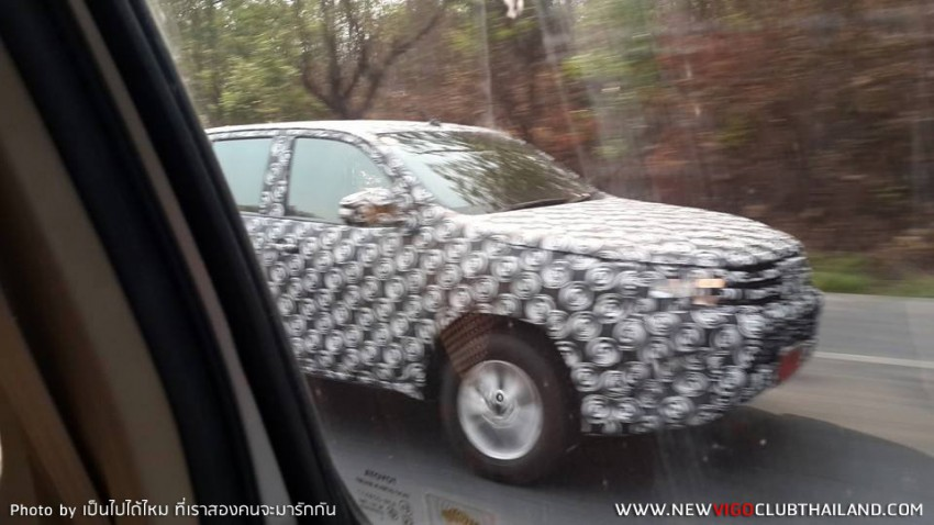 2015 Toyota Hilux sighted testing in Thailand! Image #252461
