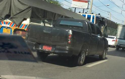 2015 Toyota Hilux sighted testing in Thailand! Image #252469