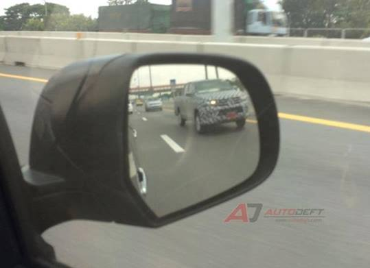 2015 Toyota Hilux sighted testing in Thailand! Image #252473