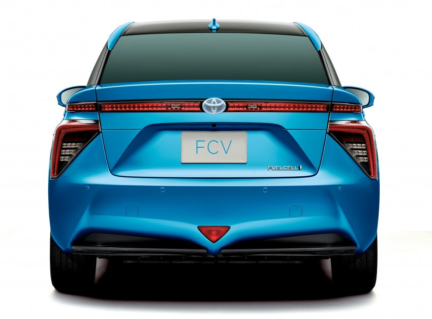 Toyota Fuel Cell Sedan unveiled – production version to go on sale in Japan in 2015, priced at US$69k Image #255768